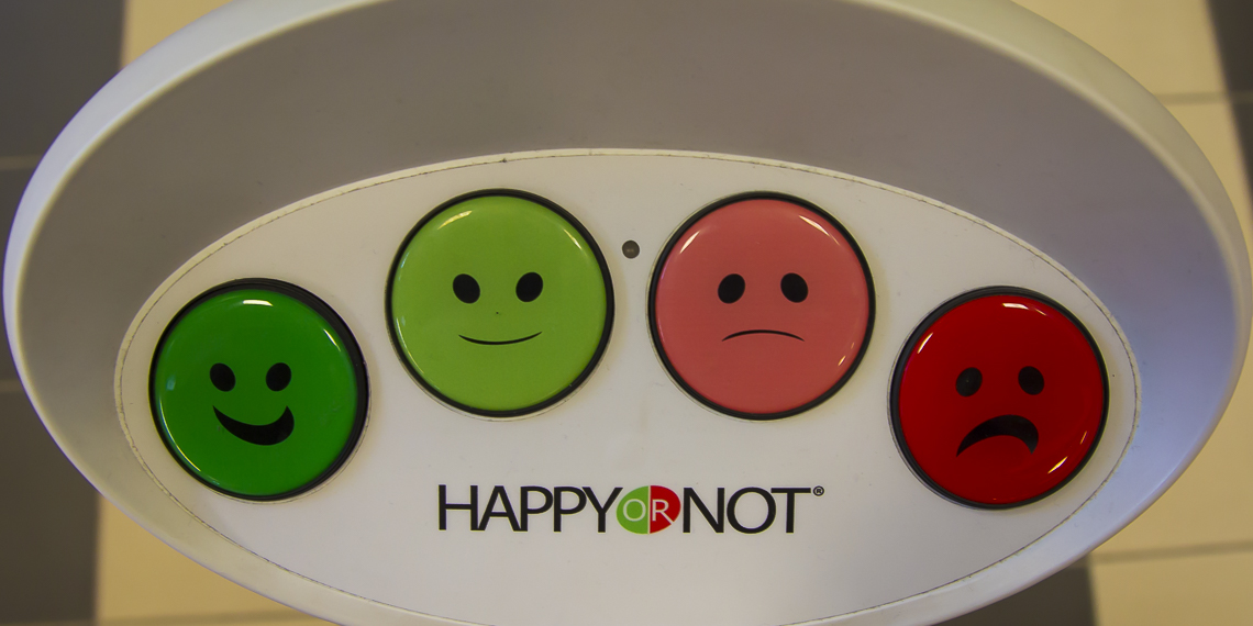 02_happy_or_not
