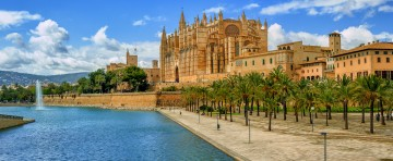 Panoramic view of La Seu, the gothic medieval cathedral of Palma de Mallorca, Spain